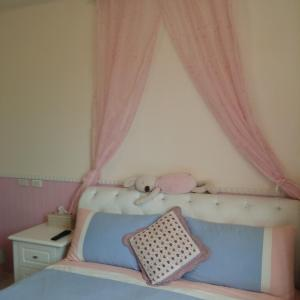 Deluxe Double Room Flower Between Lane B & B