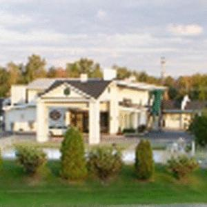 Golden Circle Inn and Suites NY, 12110