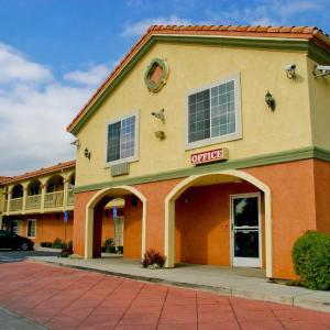 Crystal Inn Suites & Spas CA, 90303
