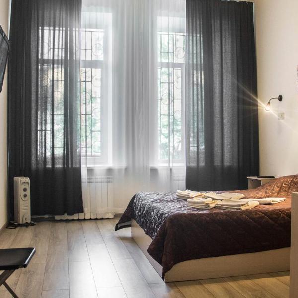 Mini-Hotel na Lebedeva 10B