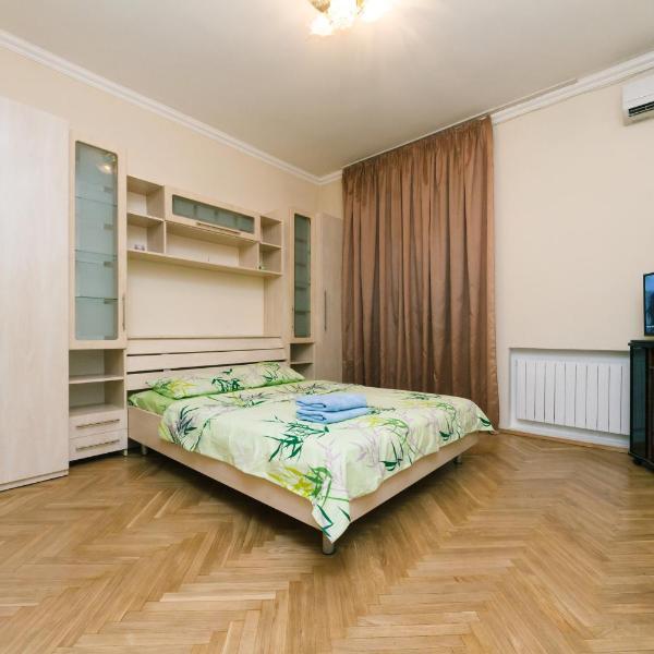 Apartment on Esplanadna 32