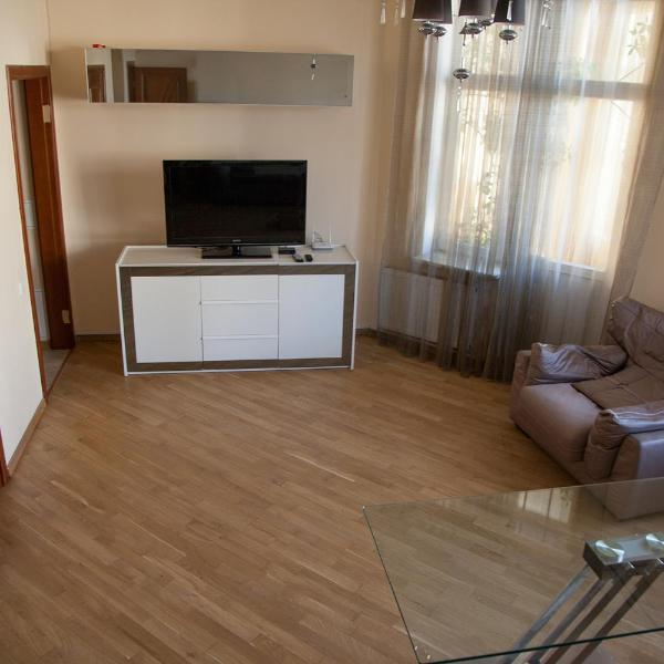 Two Bedroom Apartment with Jacuzzi & Balcony