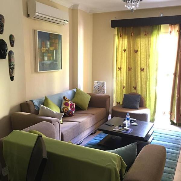 Pool View Apartment At British Resort Unit 221
