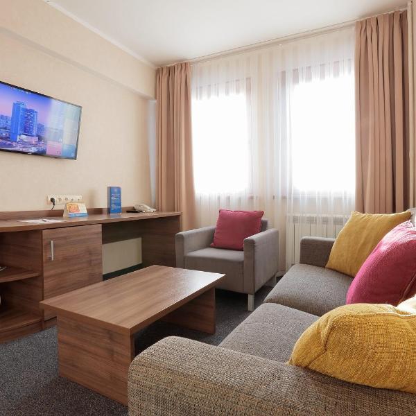 Molodyozhny Hotel