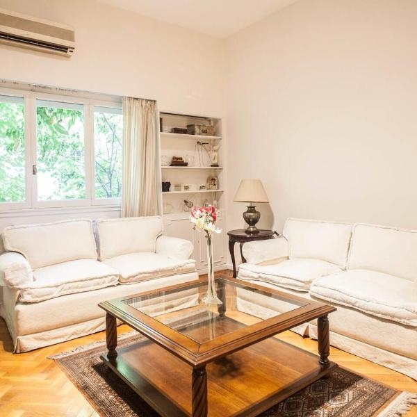 Classic 2 BR in Recoleta with 300Mb Internet!