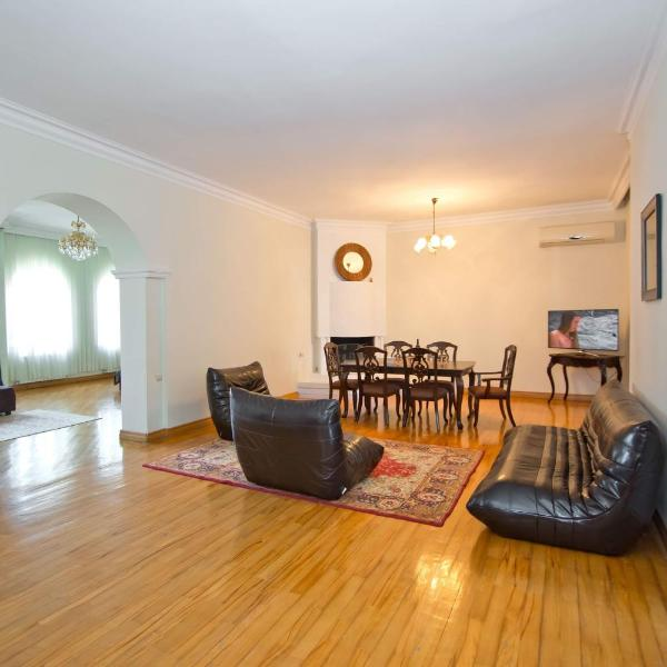 Apartment on Gorgiladze 25