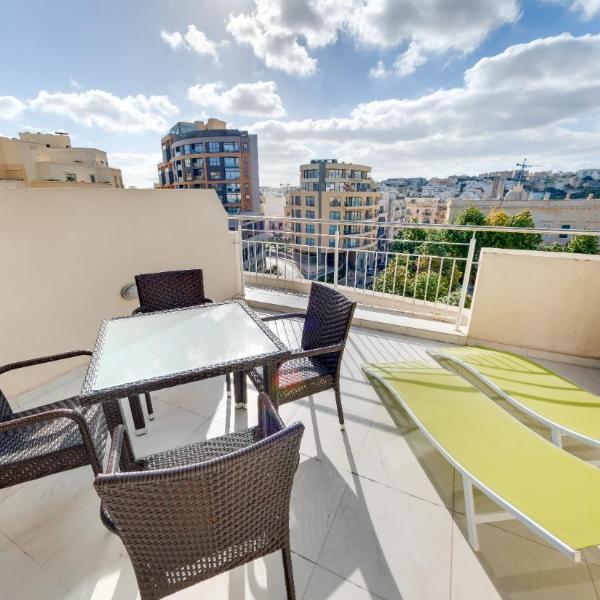 Onyx Apartments