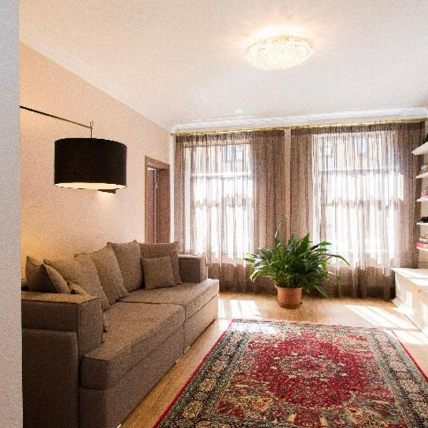 4 bedroom apartment with parking