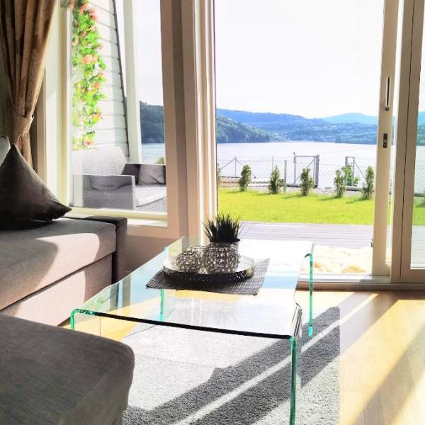 Bjørnestrand Fjordside View