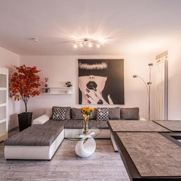2-Room Penthouse Plaza Residence P1
