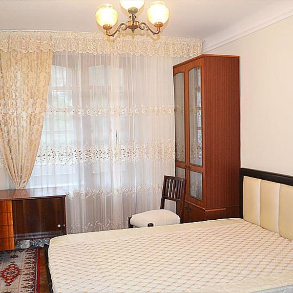 Central Apartments 2-room near Parliament Serghei Lazo street