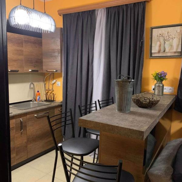 Cozy Two Bedroom Apartment