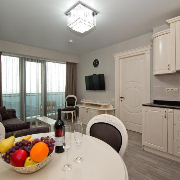 Holiday Batumi Apartment.0411
