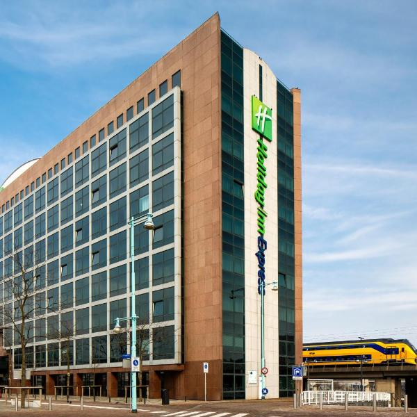 Holiday Inn Express Amsterdam - Sloterdijk Station, an IHG Hotel