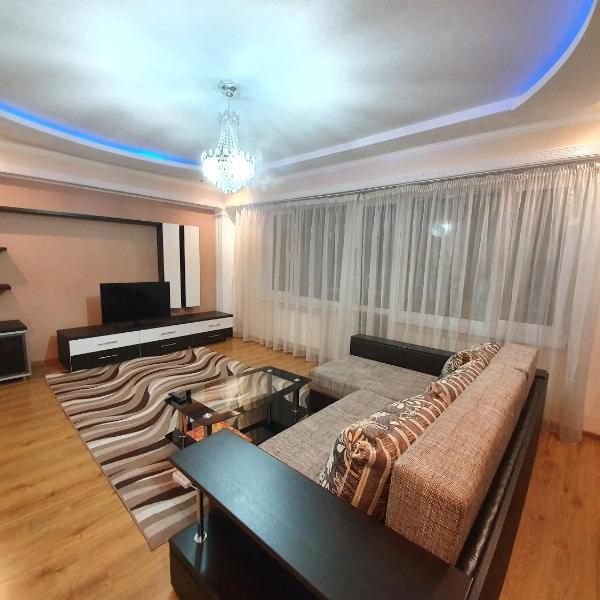 Lux Apartments 2-rooms new Building in the center Chisinau