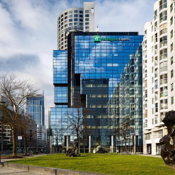 Holiday Inn Express Rotterdam - Central Station, an IHG Hotel