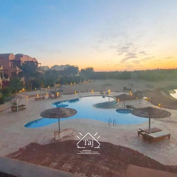 Taj Home, Amazing pool and lagoon view 2bedrooms apartment