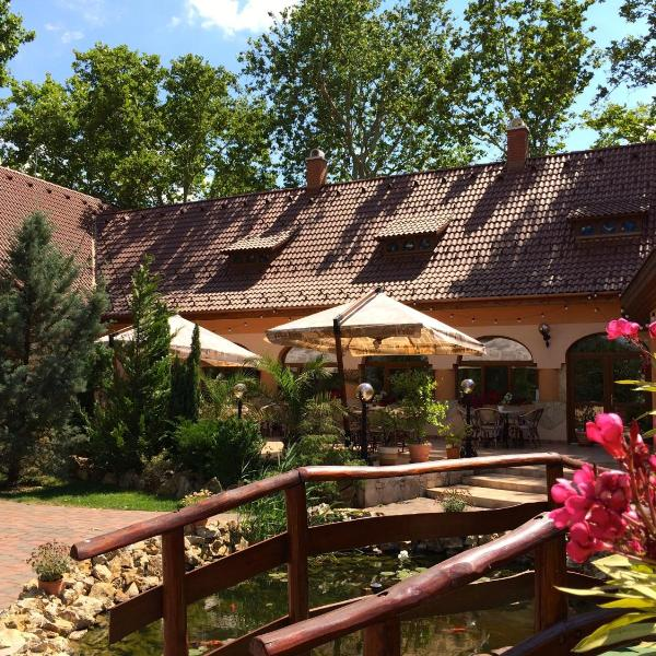 Platan Garden Rooms & Restaurant