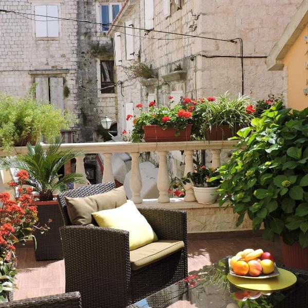 Apartments & Rooms Trogir Stars