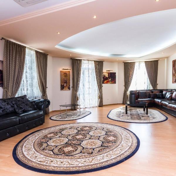 Premium 2-bedroom apartment Nezavisimosti 13