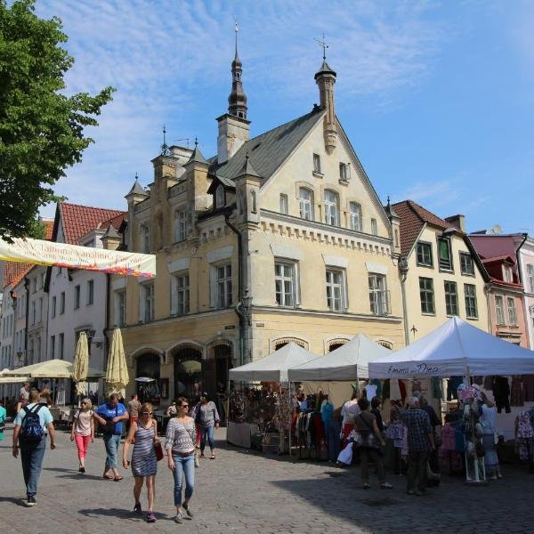 Tallinn City Apartments - Town Hall Square