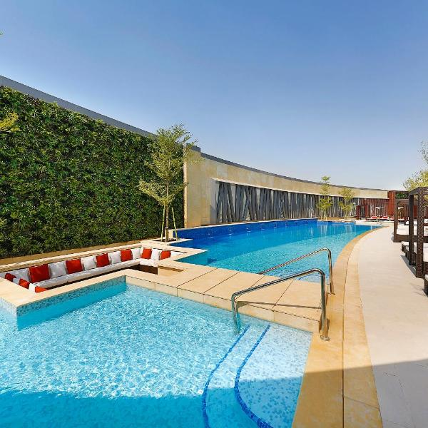 AlRayyan Hotel Doha, Curio Collection by Hilton