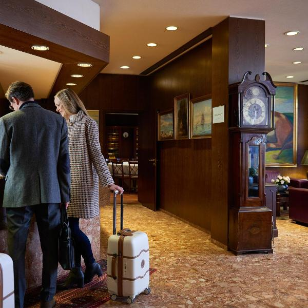 Hotel Holt
