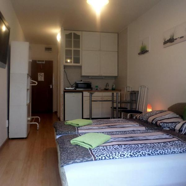 Apartments Leslie