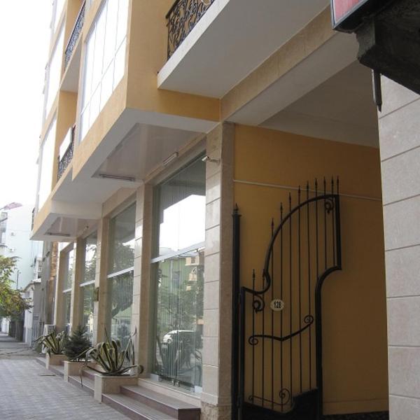 Apartment Parnavaz Mepe 128